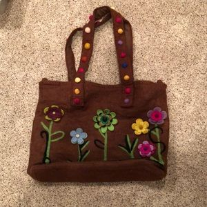 Massive wool bag with felt flowers